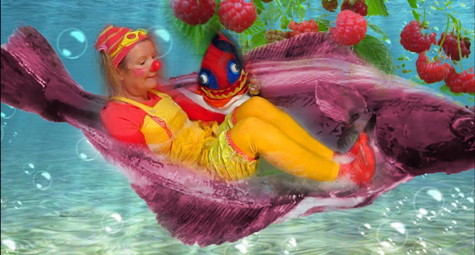 Betariks' drømmereisen, hun sitter på en flyndre og reiser under havet
