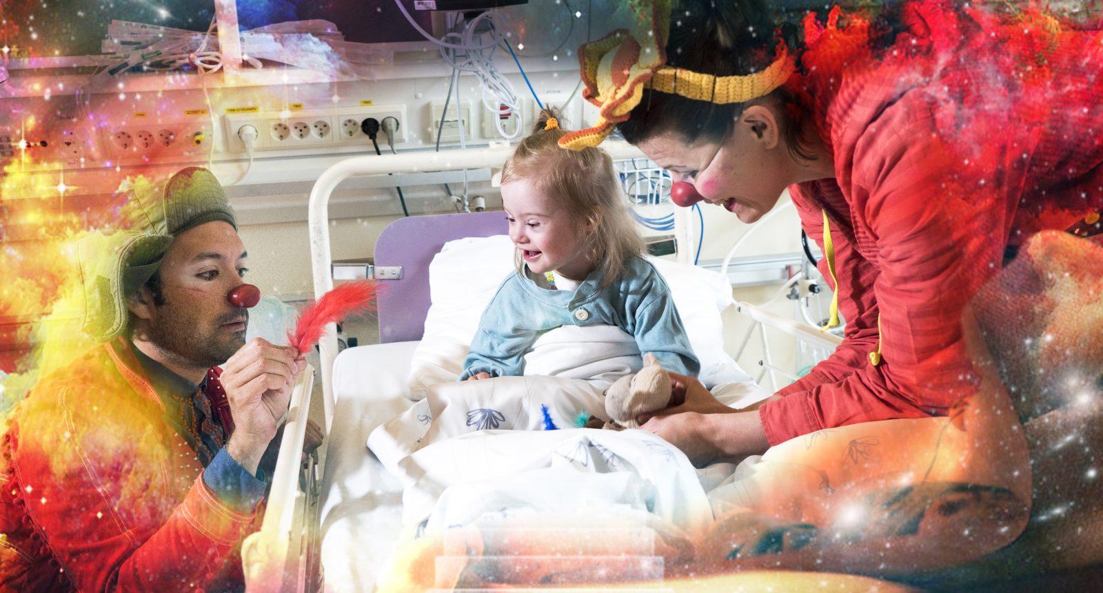 Sykehusklovnenens drømmereiser, en liten jente i sykeseng blir tatt med i fantasiverden av to sykehusklovner